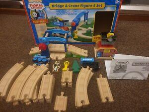 Crane and bridge figure 8 set Thomas & Friends Wooden Railway Train BRIO BOXED