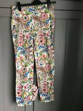 Great Condition Zara White Floral Flowers Print Trousers Pants Size M
