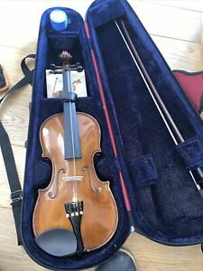 STENTOR STUDENT 2  VIOLIN 1/2 WITH CASE AND BOW