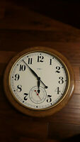 Howard Miller Magnifique Oversize Wall Clock 622-757 Large Oak Round Electric