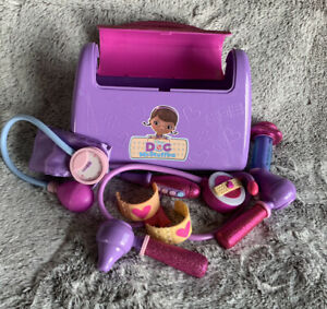Disney Doc McStuffins Doctor Bag Set, 7 pcs Medical Pretend Play Toy Purple Kit