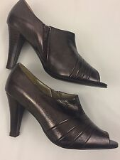 Bella Soulier Woman's Brown Metallic Leather Peep Toe Booties Shoes Size 5