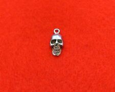 Silver Tone    Skull     3d Charms X5