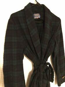 Vintage Pendleton Robe Mens Medium Black Watch Tartan 100% Virgin Wool USA