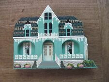 Shelia Wooden House..1993 Mele House in Baltimore, MD..Retired.. Good cond.