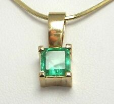 Colombian Natural Square Emerald Pendant 1.35 Cts Yellow 18K Gold Fine Jewelry