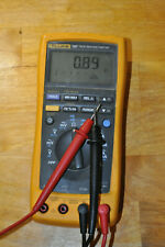 Cal Fluke 187 True RMS Digital Handheld Multimeter DMM + Genuine Test Leads 87IV
