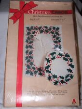 Caron Christmas Latch Hook Kit K3183 Holly Bath Ensemble Rug Lid Cover NIB