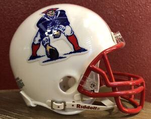 Rare NFL Throwback New England Patriots Riddell Mini Football Helmet & Facemask