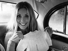 SHARON TATE 8x10 PICTURE GORGEOUS MOTHER-TO-BE PHOTO