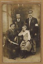 Carte Photo vintage card RPPC famille homme femme jeune fille garçon ph0394