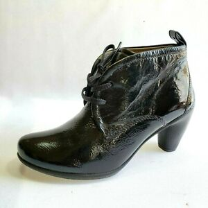 ECCO Black Patent Leather Lace Up Heel  Ankle Booties Women's EU 35 US Size 5