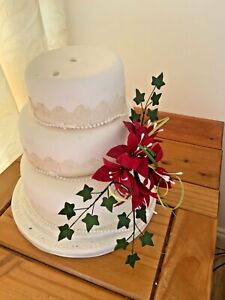 WEDDING CAKE RED LILLY SIDE SPRAY CRAFTED IN SUGAR,  PRICED TO CLEAR