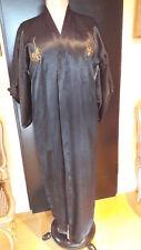 Kimono, Satin, schwarz mit goldener, oranger, grüner Stickerei
