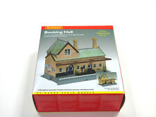 R8007 Hornby 00 Gauge Model Railway Booking Hall Building Kit New & Boxed