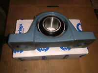 """USED AMI P203T Pillow Block with UC201-8 1//2/"""" Insert Bearing Bore"""