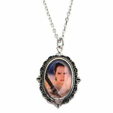 More details for star wars rougue one rey cameo pendant necklace - boxed collectable