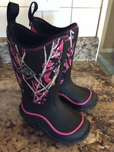 Muck Toddler Girls Kid's Pink And Purple Camouflage Boots Size 8 NWOB