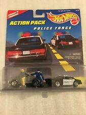 """New 1996 Hot Wheels Action Pack """"Police Force"""" 16149 New On Card"""