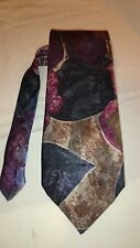 Guerin Men's Vintage Tie in a Navy and Burgundy Abstract Pattern