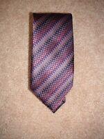 Via Regina 100% Silk Tie Purple Zig Zag Multi Made in Como Italy Mens Tie NEW