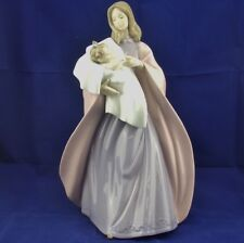 NAO-A Mothers Touch Figurine