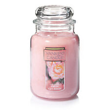 ☆☆FRESH CUT ROSES☆☆ LARGE YANKEE CANDLE JAR~FREE SHIPPING☆☆FLORAL SCENTED CANDLE