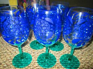 5 PLASTIC WINE STEMMED GLASS - BLUE/GREEN/FLOWER DESIGN - NICE/NWOT