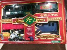 NICE EZTEC SANTA FE EXPRESS WIRELESS REMOTE CONTROL TRAIN SET No. 37990