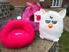 Hasbro 2012 FURBY Yeti White Talking Interactive Toy with Sofa / Chair and Bag