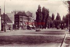 1958 MARCQ-EN-BAROEUL, FRANCE - LE CROISE LAROCHE - RPPC - vintage autos