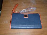 NWT Dooney & Bourke Large Alice Zip Wristlet Clutch Midnight Blue Pebble Leather