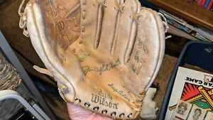 """1970s Catfish Hunter Yankees A's 9"""" Wilson A2164A Used Youth Right Glove"""