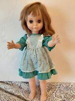 """Vintage Uneeda Doll 15"""" Sleepy eyes 1963 Nice !!"""