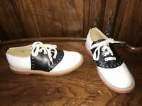 Willits Black And White Leather Youth Shoes Size 6.5C