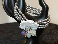 SILVER BEAD STRETCH BRACELET WITH MOP FLOWER MOTHER OF PEARL FLORAL