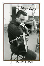 JOHNNY CASH AUTOGRAPH SIGNED  POSTER - GREAT PIECE OF MEMORABILIA