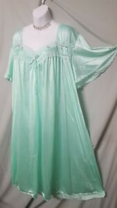 "Only Necessities GREEN NIGHTGOWN W/TRIM NYLON Long LENGTH  Plus 2X  58"" BUST"