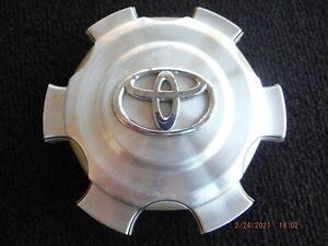 07 08 09 10 Toyota FJ Cruiser OEM alloy wheel center cap