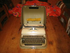 1960,s DEJUR TRIUMPH PERFEKT TYPEWRITER  with metal case and brushes