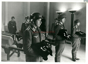 Gross Foto, Luftwaffe K.G. 252, Uffz. Müller, Beisetzung in Eindhoven  a(G)50151