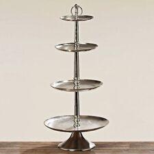 Fuentes y platos de metal para servir
