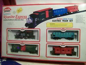 Vintage HO Scale MODEL POWER Riunite Express Train Set #1024