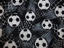 Il calcio tessuto Fat Quarter Cotone Craft Quilting Nero Bianco Timeless Treasures