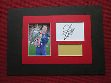 MANCHESTER UNITED EDWIN VAN DER SAR SIGNED A4 MOUNTED CARD & PHOTO DISPLAY - COA