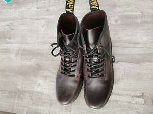 Dr. Martens Thurston Boots rot
