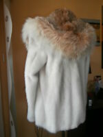 Genuine NERZ MINK НОРКА fur coat with hood of lynx fur ,сolor white with gray  .