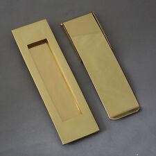 ottone verticale cassetta della posta e ordine