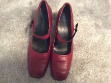 Pre-Owned Rockport Red Leather Shoes Size 7 ½ W EUC