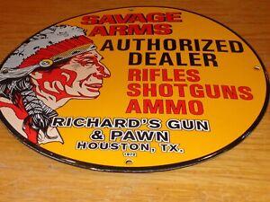 """VINTAGE 1972 SAVAGE ARMS RICHARD'S GUN & PAWN TEXAS 12"""" PORCELAIN METAL GAS SIGN"""